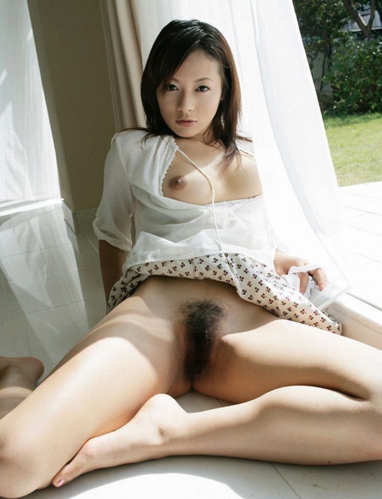 剛毛 美人 毛深い マン毛 ボーボー 美女 エロ画像【15】
