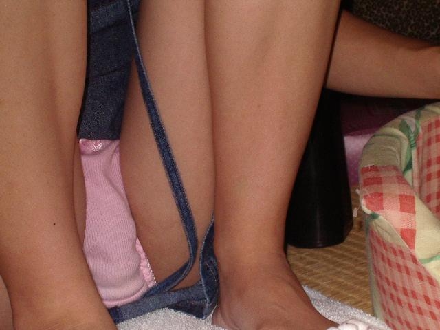 家の中 パンツ 隠さない 家庭内 パンモロ エロ画像【25】