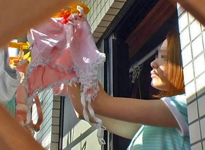 ベランダ 盗撮 下着 洗濯物 干す女性 エロ画像【14】