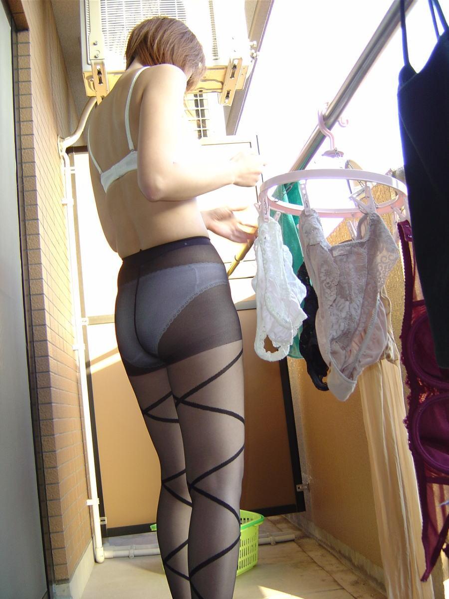 ベランダ 盗撮 下着 洗濯物 干す女性 エロ画像【21】