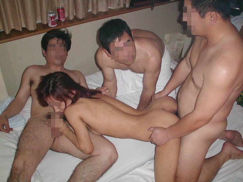 グループセックス 複数の男 性行為 乱交 エロ画像【11】