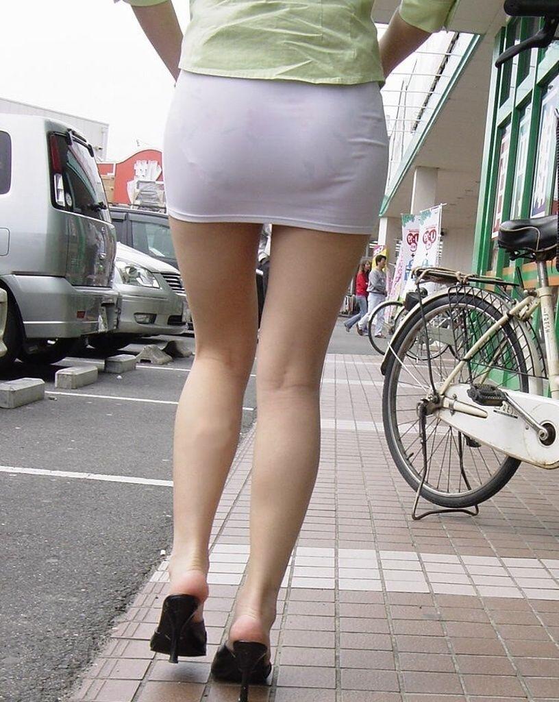 タイトスカート お尻 透けパン エロ画像【1】