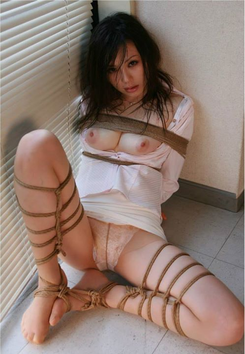 美女 緊縛 縄 縛る 捕縛 美人 エロ画像【14】
