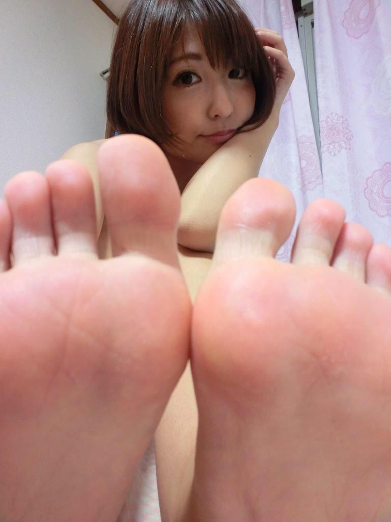 美女 足裏 足フェチ グルメ エロ画像【2】