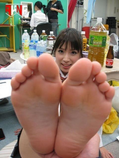 美女 足裏 足フェチ グルメ エロ画像【11】