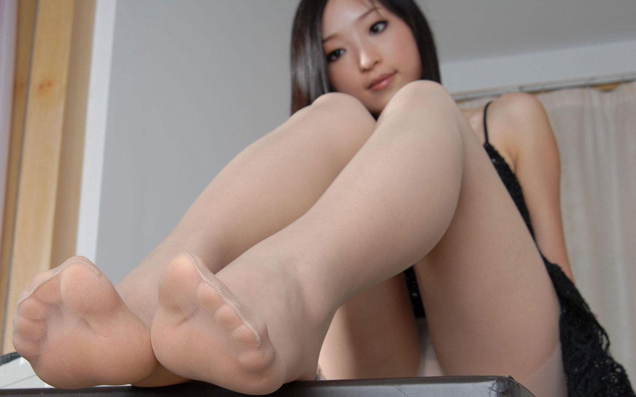 美女 足裏 足フェチ グルメ エロ画像【20】