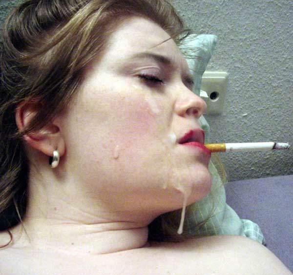 タバコ 吸う 息抜き 外国人 熟女 人妻 エロ画像【14】