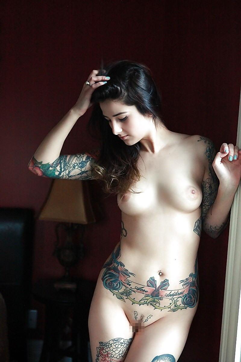 全身 タトゥー 全裸 美女 セクシー ヌード エロ画像【3】