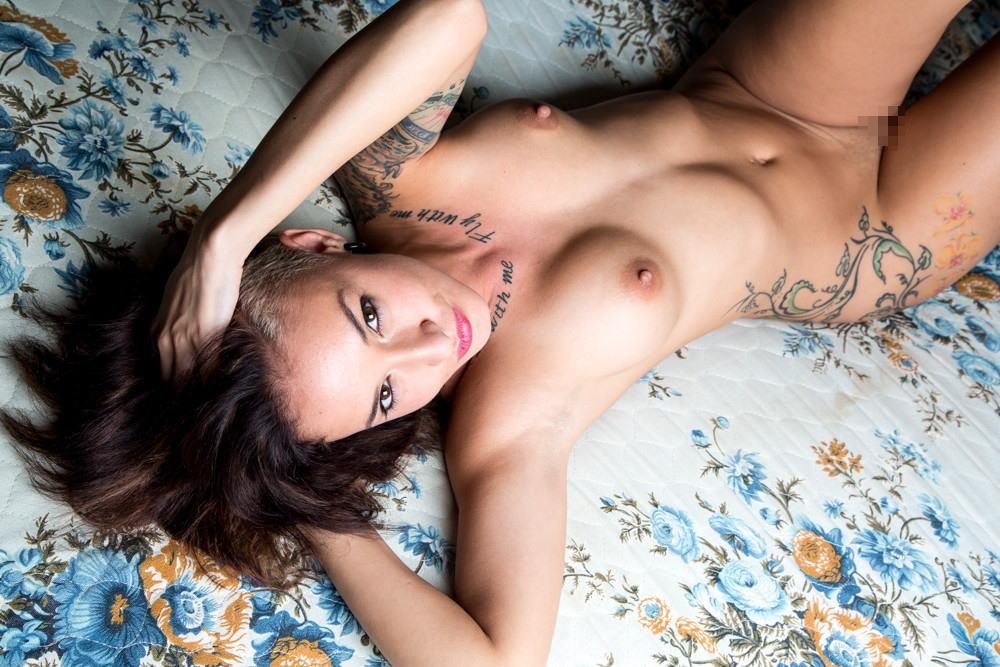 全身 タトゥー 全裸 美女 セクシー ヌード エロ画像【7】