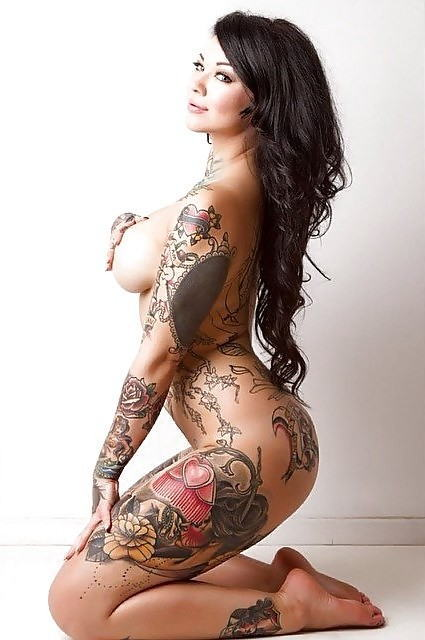 全身 タトゥー 全裸 美女 セクシー ヌード エロ画像【19】
