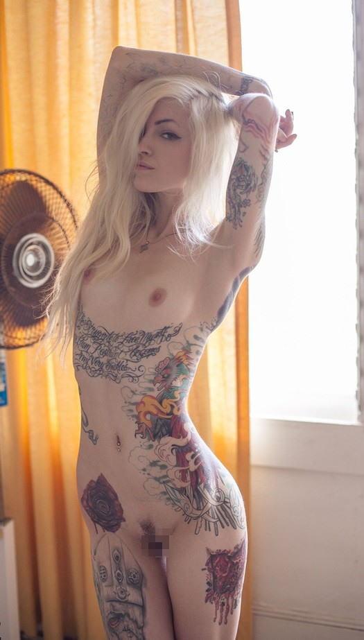 全身 タトゥー 全裸 美女 セクシー ヌード エロ画像【22】