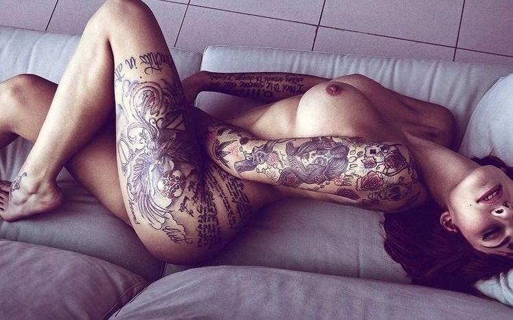 全身 タトゥー 全裸 美女 セクシー ヌード エロ画像【23】