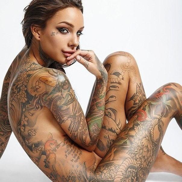 全身 タトゥー 全裸 美女 セクシー ヌード エロ画像【33】