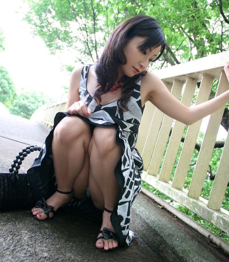 パンツ 美女 パンチラ エロ画像【4】