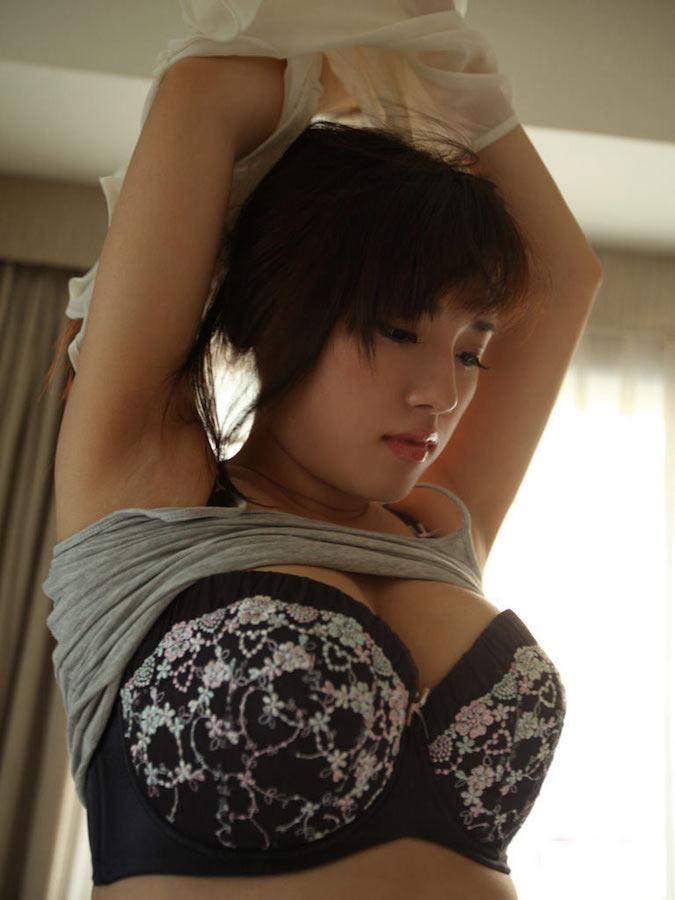 美女 脱衣 洋服 下着 脱ぐ 脱ぎかけ 美人 エロ画像【6】
