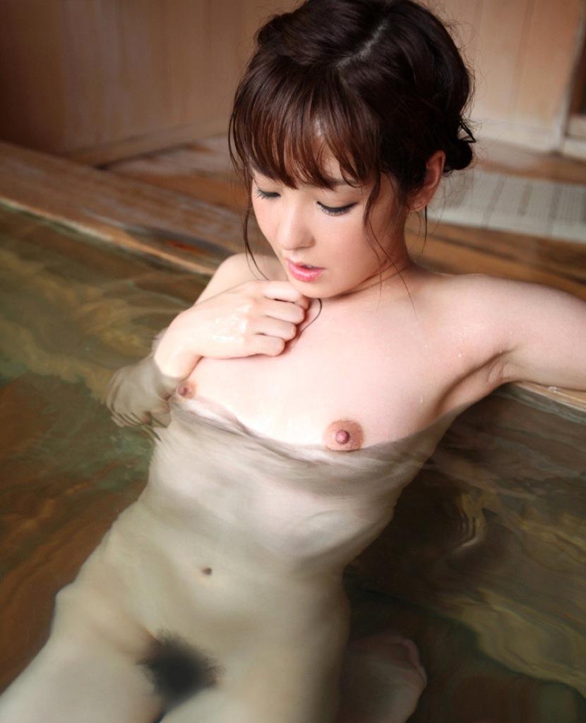 美女 露天風呂 温泉 入浴 美人 エロ画像【17】