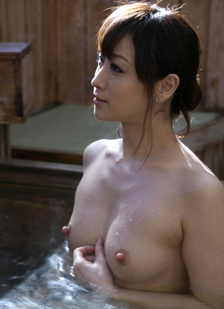 美女 露天風呂 温泉 入浴 美人 エロ画像【18】