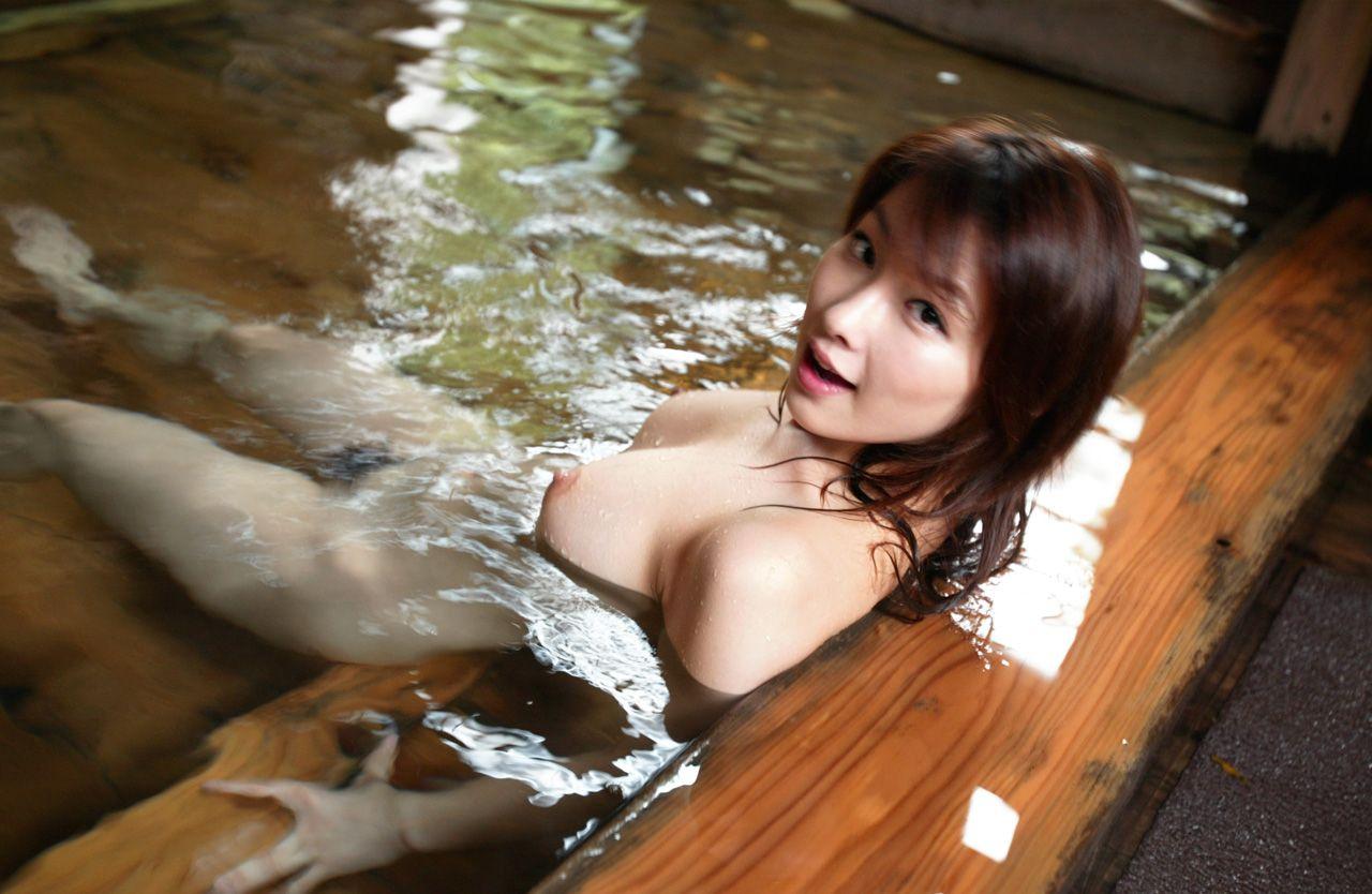 美女 露天風呂 温泉 入浴 美人 エロ画像【31】