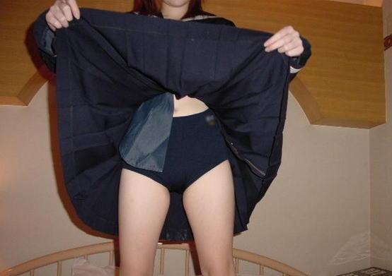 スカートの中 パンツ ブルマ 重ね穿き エロ画像【32】
