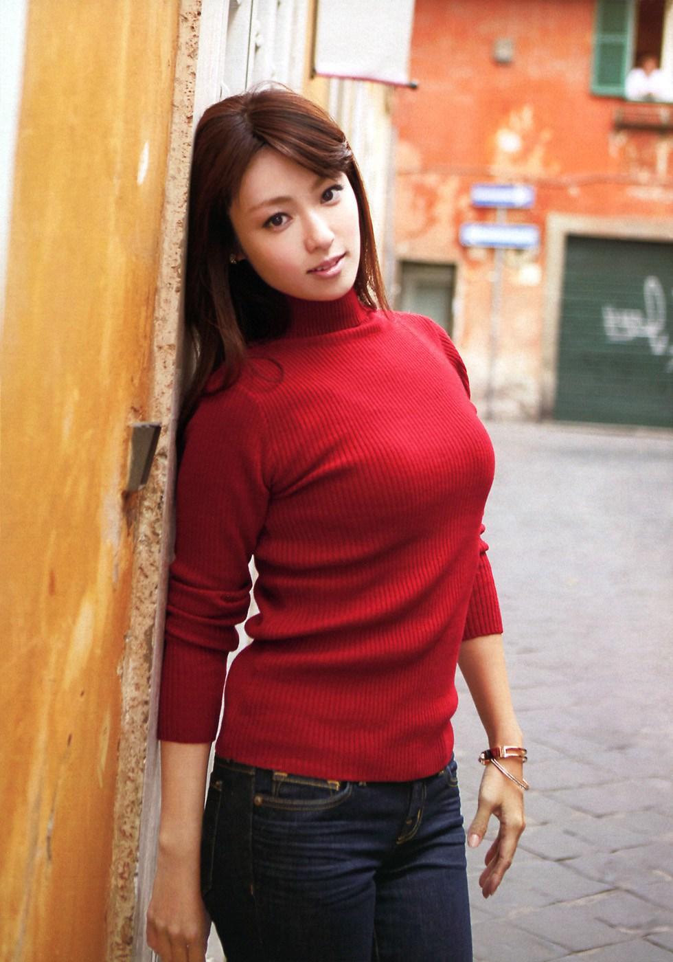 巨乳 セーター