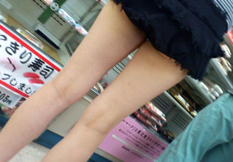 すべすべの太もも・生足・足裏をお触りしたい脚フェチ画像集
