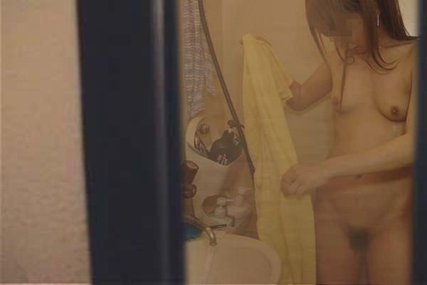 着替え お風呂上がり 身内 第三者 盗撮 エロ画像【33】