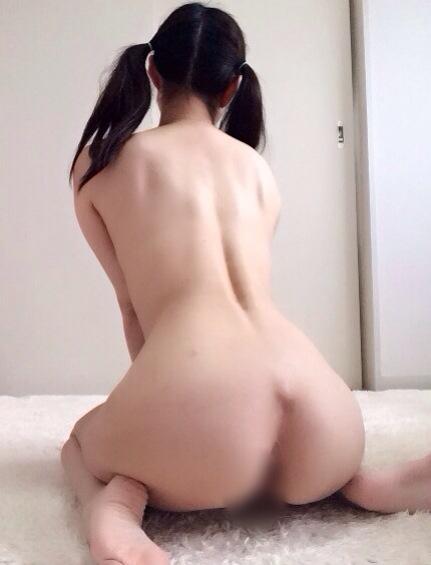 女の子座り ぺったんこ アヒル 背中 エロ画像【9】