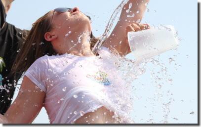 世界の濡れTシャツコンテストよりおっぱい透け透け画像集 ④