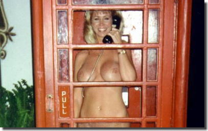 公衆電話に露出狂!電話BOX・テレフォンブースのエロ画像 ②