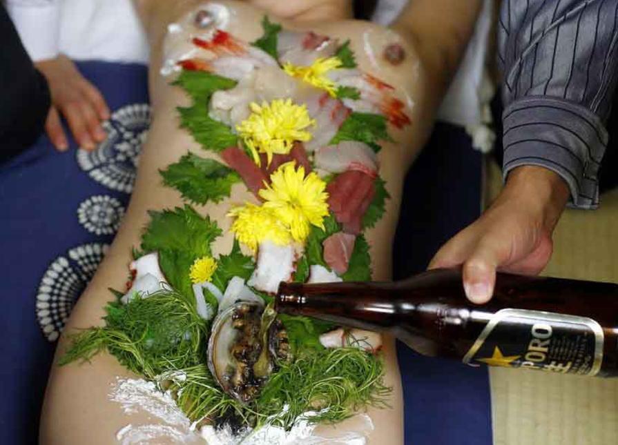 全裸 寿司 刺し身 女体盛り エロ画像