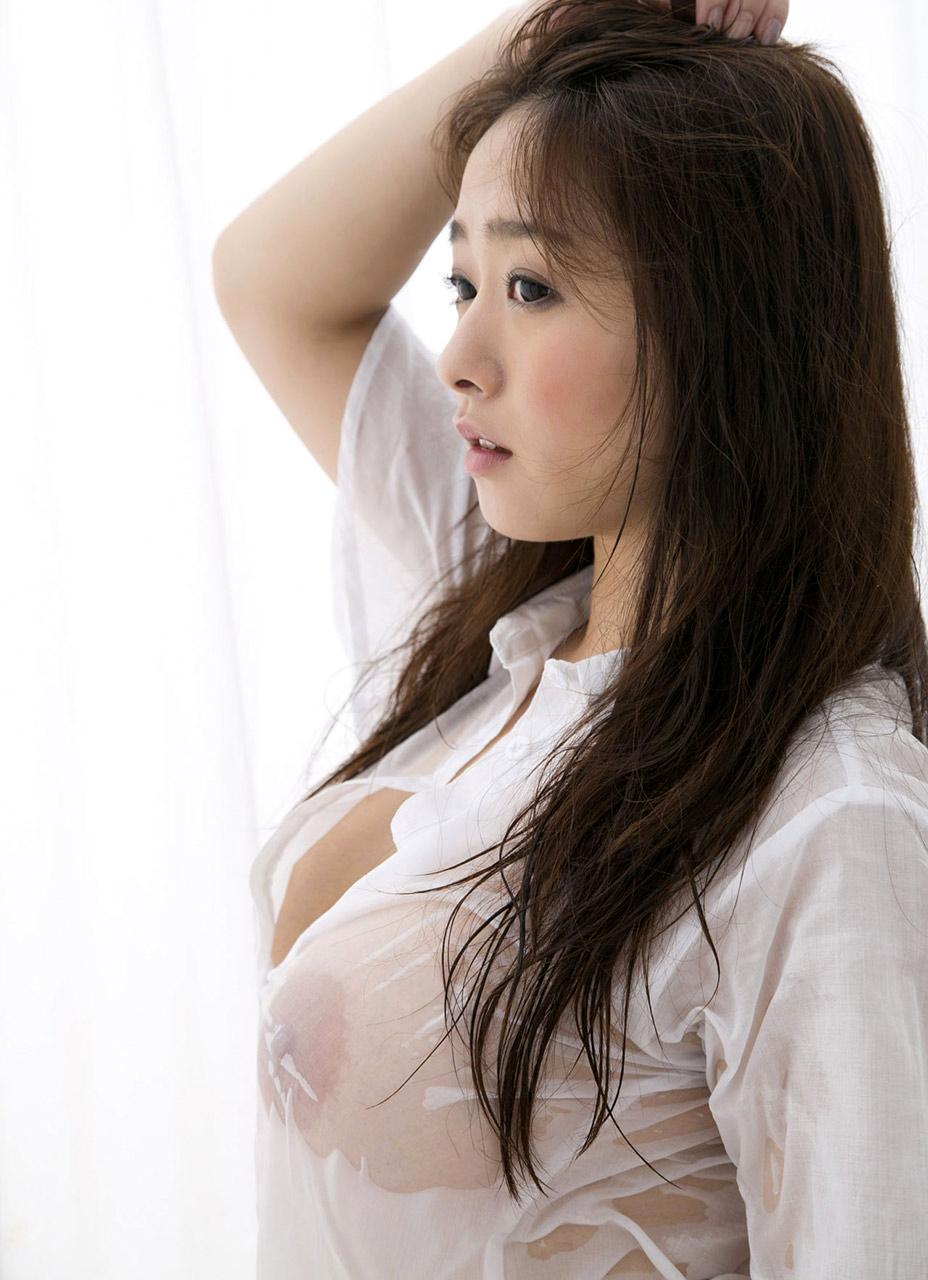 美女 着衣 濡れる 乳首 マン毛 透ける エロ画像【3】