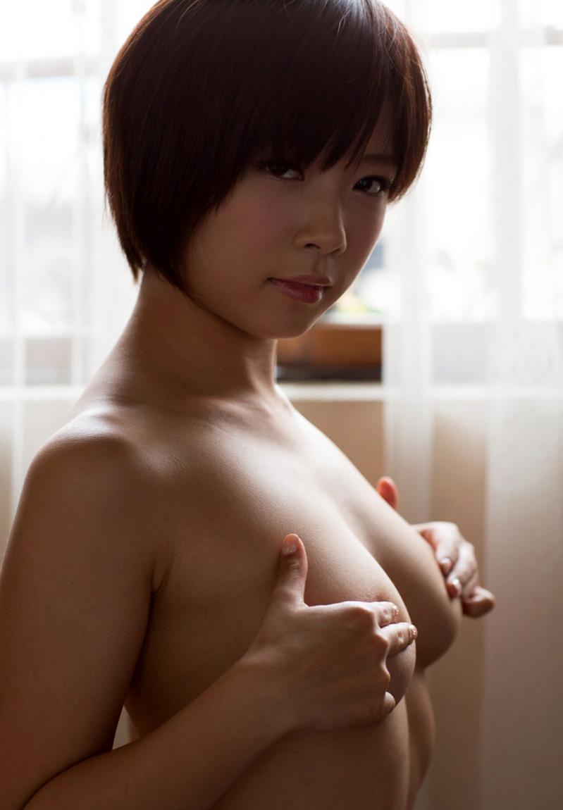 乳首 隠す 指ブラ 1本指 2本指 エロ画像【34】