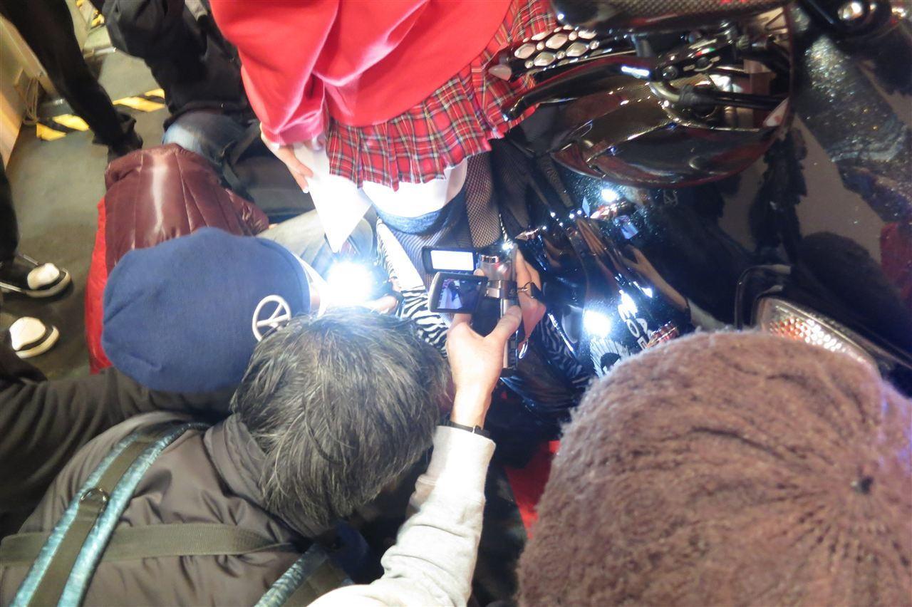 コミケ カメコ スカートの中 撮影 ローアングラー エロ画像【12】