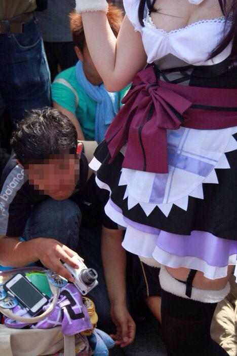 コミケ カメコ スカートの中 撮影 ローアングラー エロ画像【16】