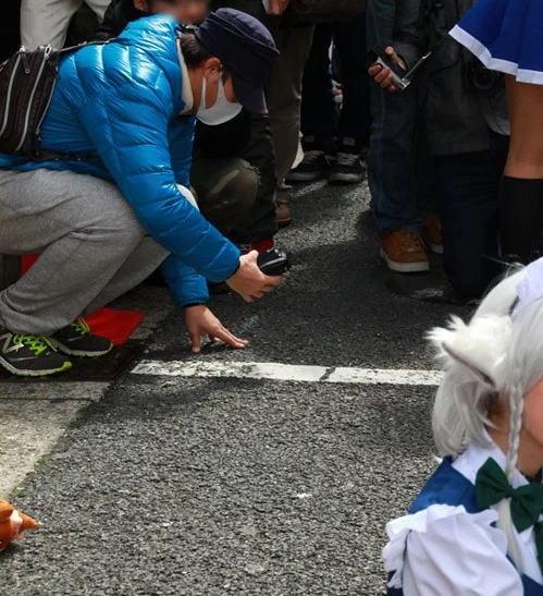 コミケ カメコ スカートの中 撮影 ローアングラー エロ画像【18】