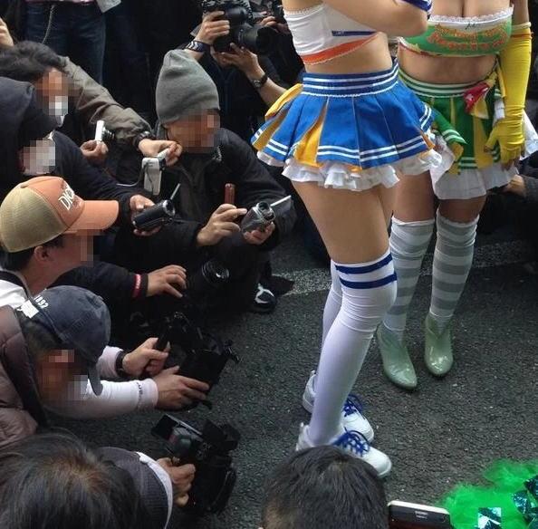 コミケ カメコ スカートの中 撮影 ローアングラー エロ画像【19】