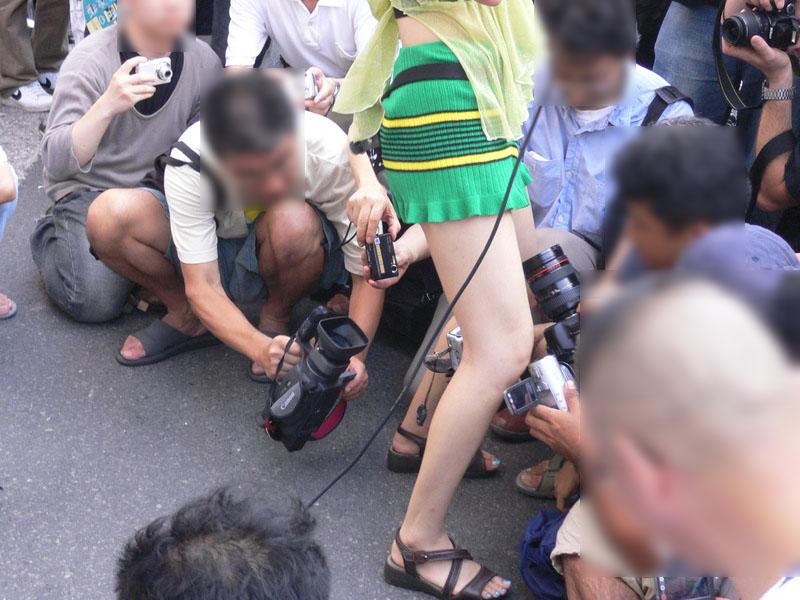 コミケ カメコ スカートの中 撮影 ローアングラー エロ画像【22】
