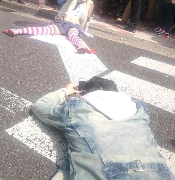 コミケ カメコ スカートの中 撮影 ローアングラー エロ画像【26】