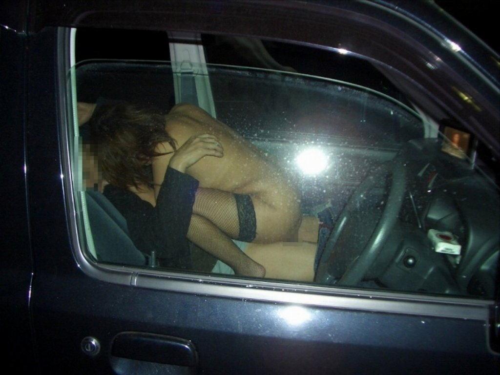 カーセックス 事後あり 熟女 人妻 車内 性行為 エロ画像【30】