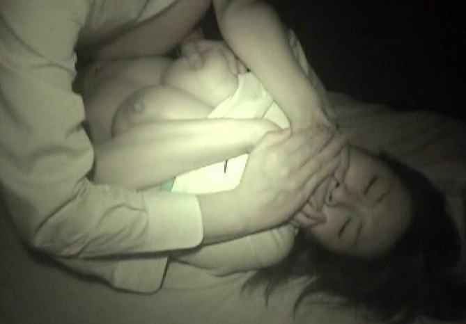 レイプこわっ!非力な女性を無理矢理犯す強姦現場のエロ画像