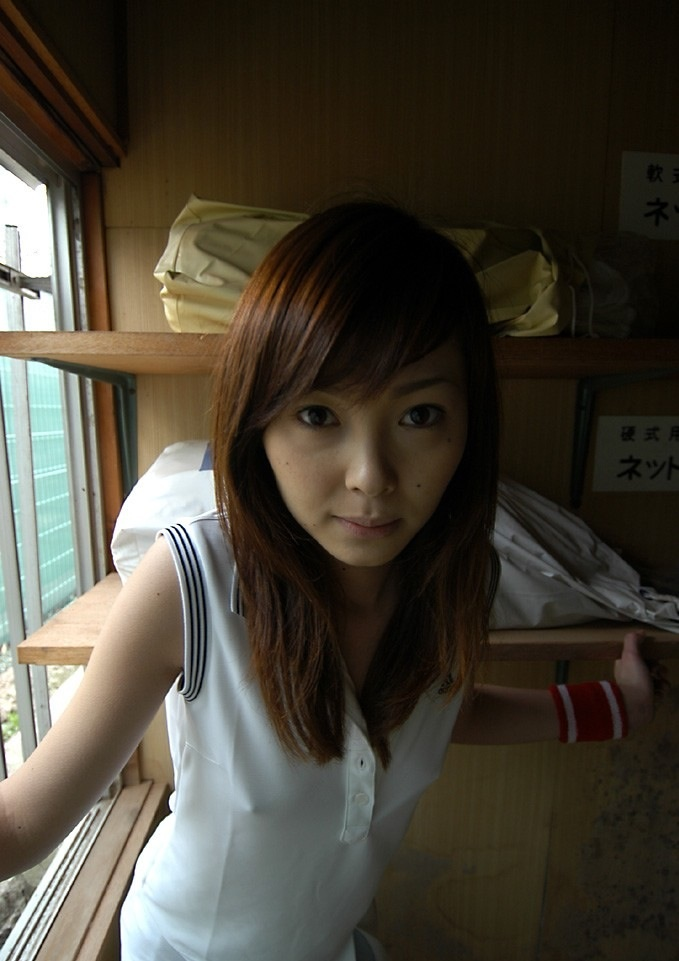 透けポチ 美人 着衣 乳首 透ける ノーブラ 美女 エロ画像【7】