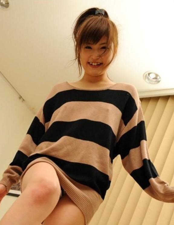 透けポチ 美人 着衣 乳首 透ける ノーブラ 美女 エロ画像【16】