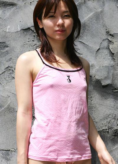透けポチ 美人 着衣 乳首 透ける ノーブラ 美女 エロ画像【21】