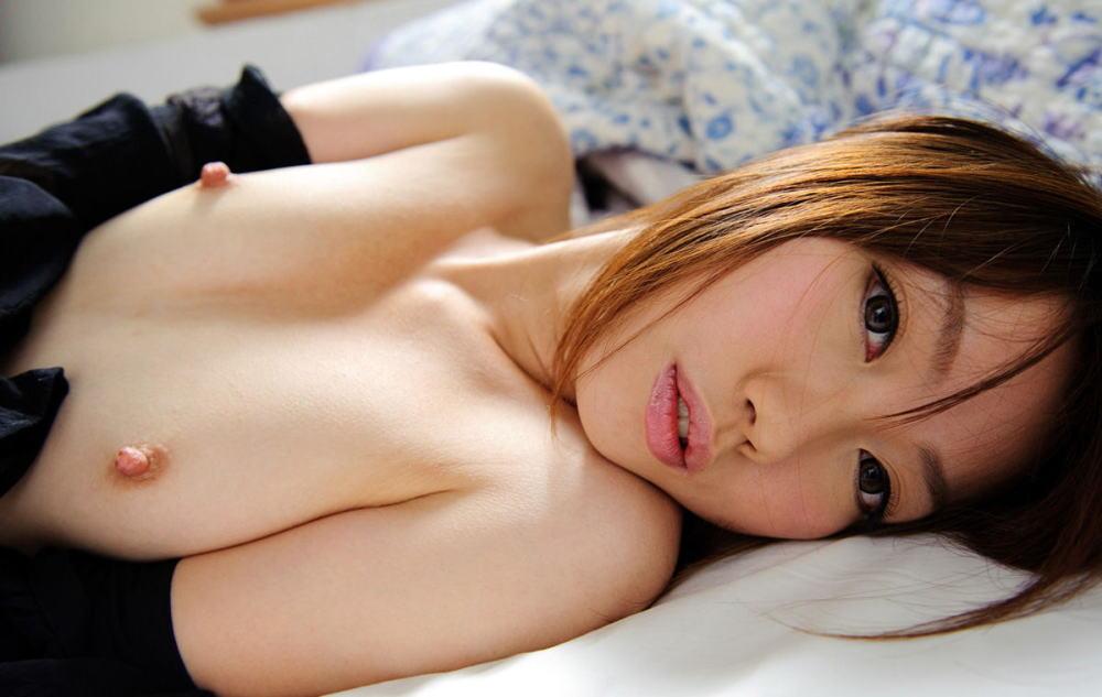 貧乳 勃起 乳首 敏感 性感帯 ビンビン エロ画像【30】