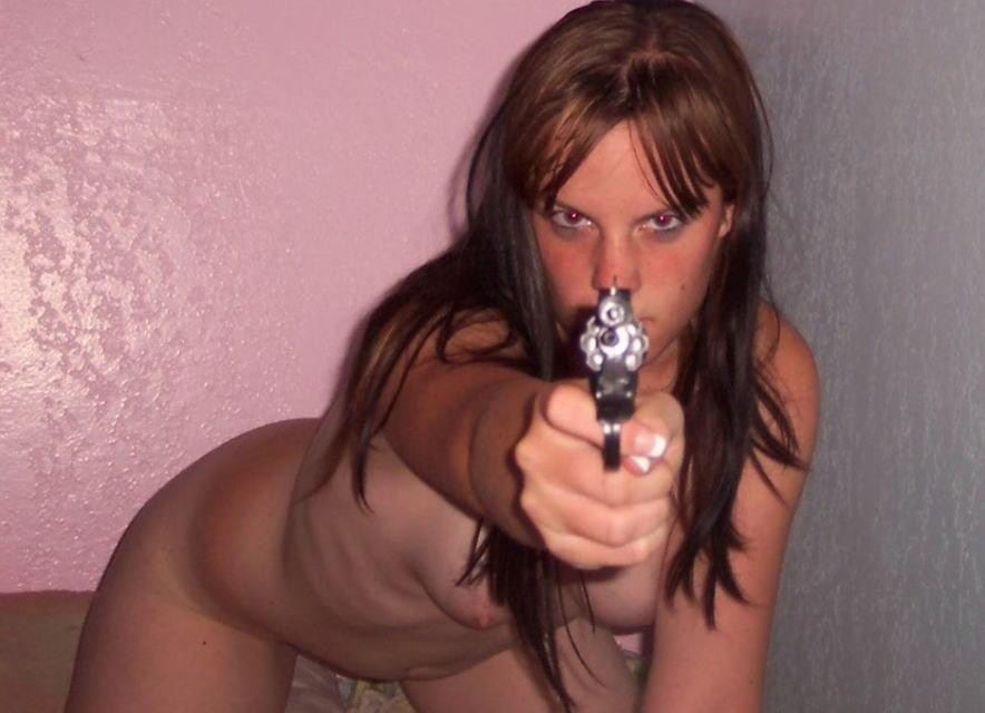 外国人 裸 銃 セクシー ガンマニア ヌード エロ画像
