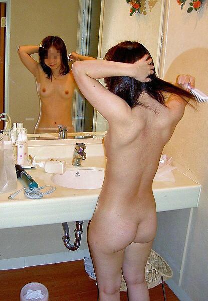 ラブホ 洗面所 背後 無防備 後ろ姿 エロ画像【29】