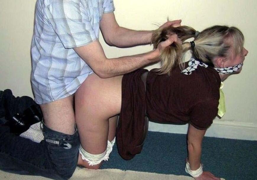 髪の毛 掴む 引っ張る セックス エロ画像