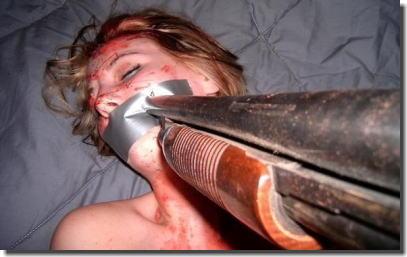 銃で脅してレイプしたり銃口に怯える凶器使用中のエロ画像 ③