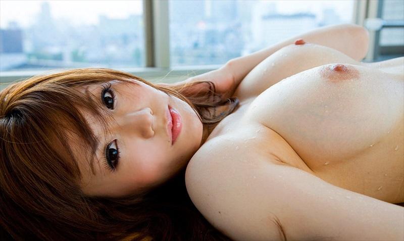 美乳 巨乳 寝乳 綺麗 仰向け おっぱい エロ画像【2】