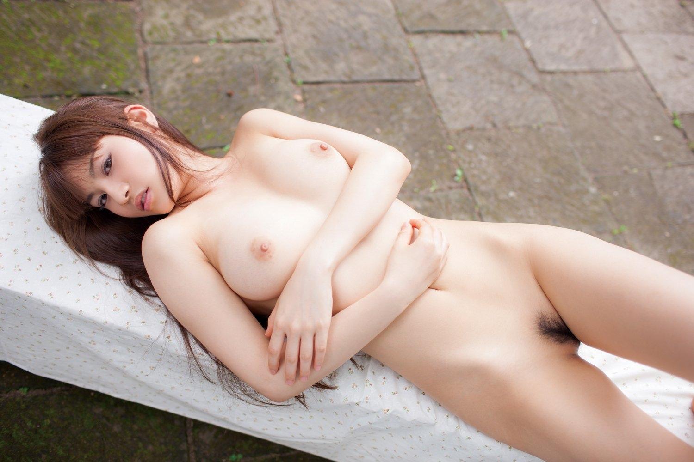 美乳 巨乳 寝乳 綺麗 仰向け おっぱい エロ画像【27】